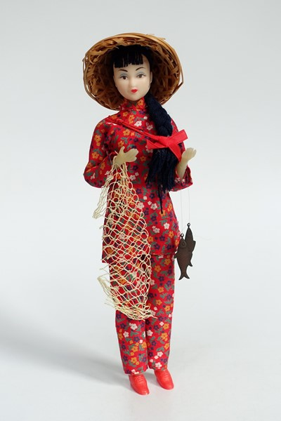 Picture of China Doll Fisher Woman