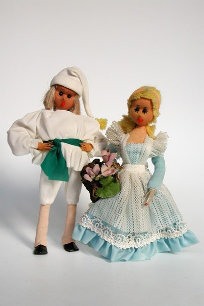 Picture of Germany Dolls Pair White
